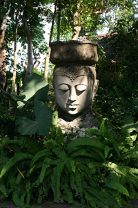 Patung kepala dewi